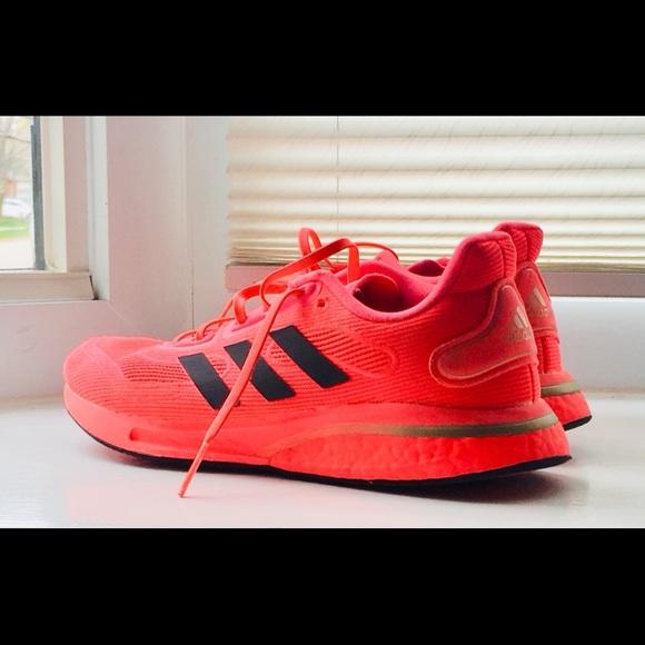 Adidas Women's Supernova (Size 8)